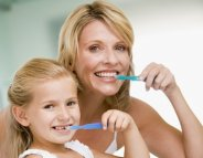 Santé dentaire : deux brossages par jour, ça suffit
