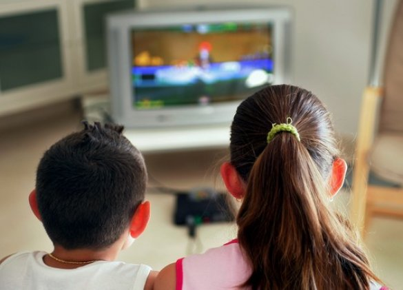 Bad snacking habits? Video games beat TV hands down!