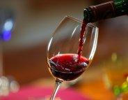 Alcool : les Européens boivent (un peu) moins