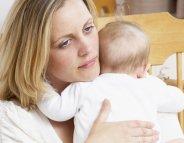 Jeune maman fatiguée: comment gérer les premiers mois de Bébé ?
