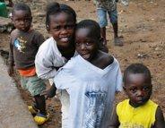 Ebola, une première lueur d'espoir en Guinée et au Nigeria ?