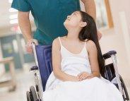 Avant une opération, préparez votre enfant