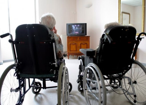 Polluted air in retirement homes is affecting residents' lungs