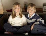 Devant la télévision, les enfants doivent bouger toutes les 30 minutes