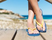 Cet été, levez le pied sur les tongs