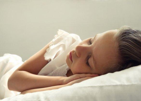 Couchez votre enfant avant 20h pour éviter… l'obésité