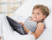 Chirurgie pédiatrique : les tablettes numériques, efficaces contre l'anxiété