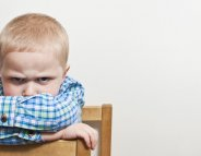 Votre enfant refuse d'aller à l'école : comment réagir ?