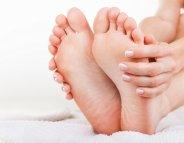 Contre les cors aux pieds ? Hygiène et bon choix de chaussures