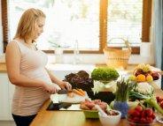Manger végétarien quand on est enceinte, c'est risqué ?