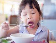 Des probiotiques pour les enfants ? Sous surveillance médicale