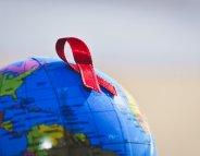 VIH/SIDA : plus de la moitié des porteurs du virus est traitée