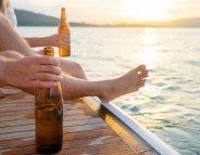 Alcool au soleil : un risque de mélanome élevé ?