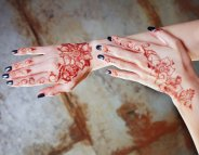 Pas de tatouage au henné noir