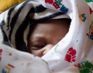 Mortalité infantile : des progrès mais un fardeau bien trop lourd