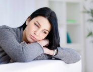 Le psoriasis affecte aussi le bonheur de vivre