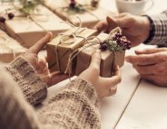 Noël : des idées de cadeaux solidaires