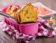Moules à gâteaux : des toxines libérées par la chaleur et l'usure ?