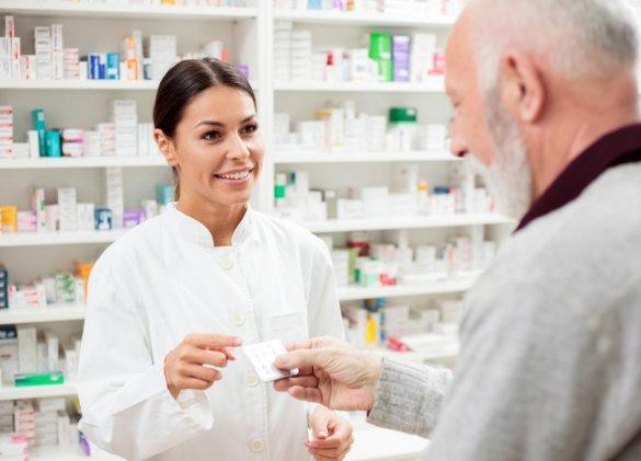 Loi santé : les pharmaciens autorisés à prescrire certains médicaments