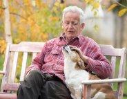 Personnes âgées : un animal de compagnie pour garder la forme