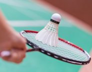 Badminton en double : attention au traumatisme oculaire