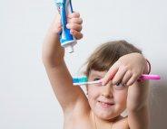 Pourquoi les enfants ont-ils besoin d'un dentifrice spécifique ?
