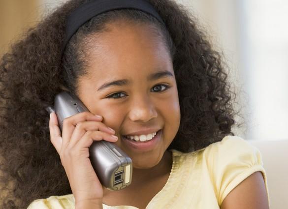 Les enfants apprennent aussi facilement deux langues maternelles qu'une seule. ©Phovoir
