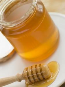 Le miel est la seule source alimentaire identifiée de spores de C. botulinum, la bactérie responsable du botulisme infantile. ©Phovoir