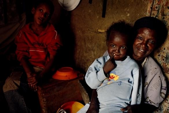 En 2012, on estimait à 35,2 millions le nombre de patients vivants avec le VIH dans le monde. © Kate Holt/IRIN