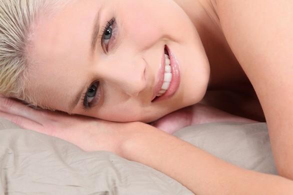 Pendant l'hiver, hydratez régulièrement votre peau. ©Phovoir