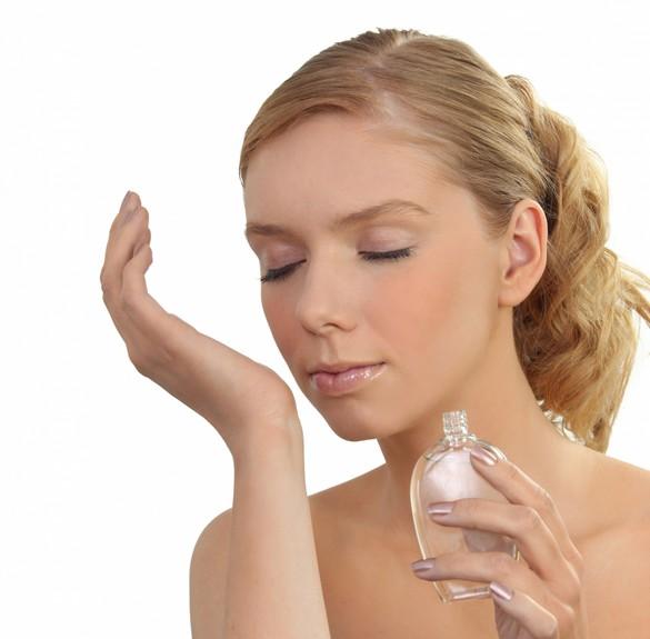 Les parfums sont composés de plusieurs molécules différentes. ©Phovoir