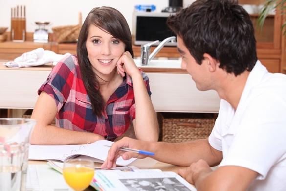 En France, un étudiant sur trois éprouverait de réelles difficultés à gérer son stress pendant les périodes de révision. ©Phovoir.