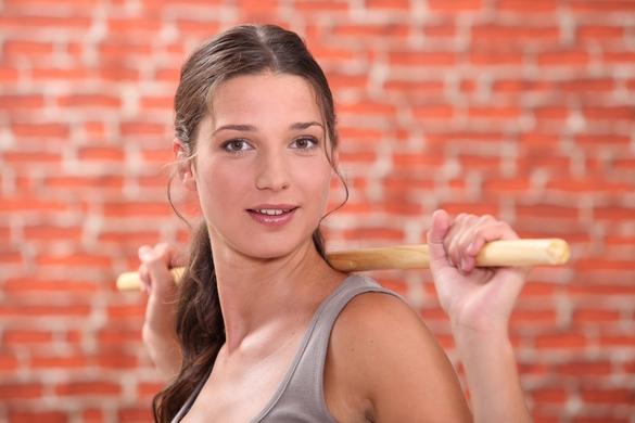 Combiné à une alimentation équilibrée, le sport a le don d'entretenir votre santé cardiaque et mentale, puis d'étirer les traits de votre visage ! ©Phovoir