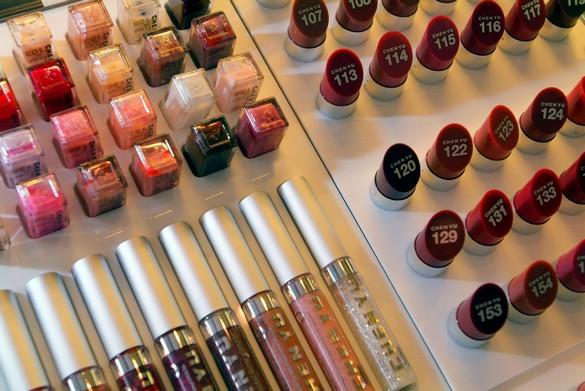 Déjà en 2009, le Bureau européen des unions de consommateurs pointait du doigts les lacunes des connaissances sur les nanomatériaux.©Phovoir