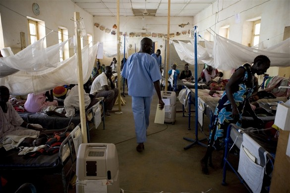 Chaque jour, les travailleurs humanitaires aident des millions de personnes dans le monde, peu importe qui ils sont et où ils sont. © Siegfried Modola/IRIN