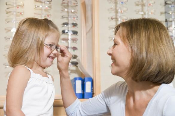 Un élève sur quatre en classe primaire présente un trouble visuel. © Phovoir