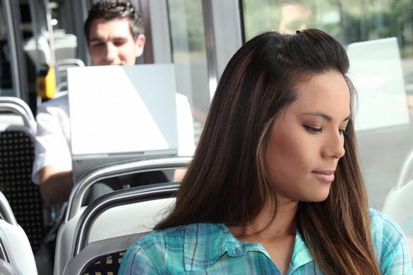 Pour votre santé mentale, mieux vaut prendre le bus que la voiture. ©Phovoir