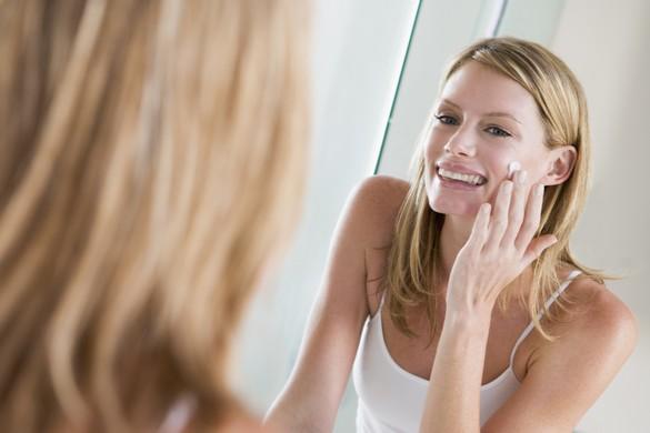 Les besoins de la peau évoluent en fonction des saisons, du stress, des modifications hormonales… ©Phovoir