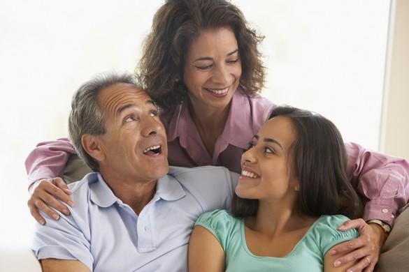 En moyenne, les filles quittent le domicile familial à 23 ans et les garçons à 24. ©Phovoir