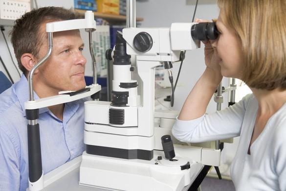 Les ophtalmologistes ont organisé un sit in le 30 septembre devant le Ministère de la Santé.©Phovoir
