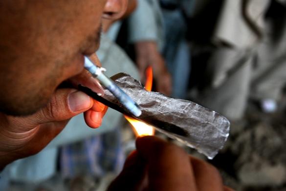 Chaque année en France, le tabac et l'alcool sont responsables de 122 000 décès. ©Cannabis infos
