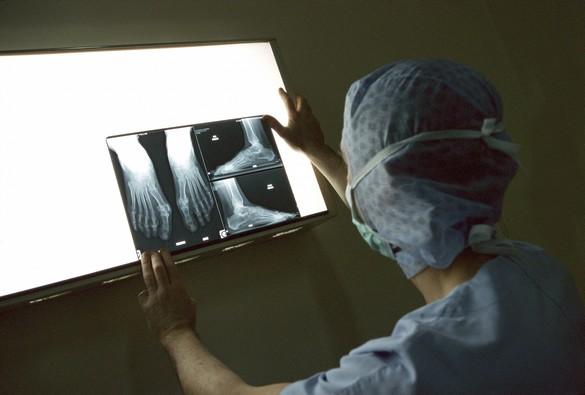 Un examen radiographique expose le patient à des rayonnements ionisants. ©Phovoir