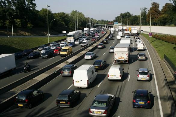 Vivre près d'un important axe routier est lié à un risque d'HTA. ©Phovoir