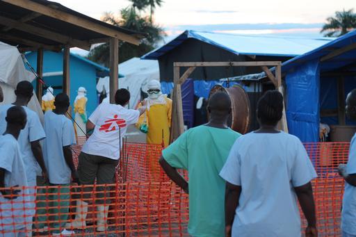 Les trois essais cliniques seront menés dans des centres de prise en charge de patients encadrés par MSF. ©Martin Zinggl