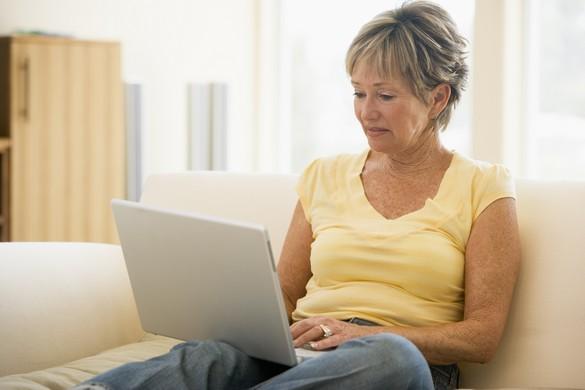 44% des patients arthrosiques recherchent de l'information concernant leur maladie sur internet. ©Phovoir