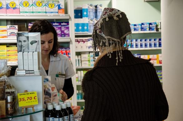 Les pharmaciens constituent un excellent relais pour vous aider à mieux prendre votre traitement ©Phovoir