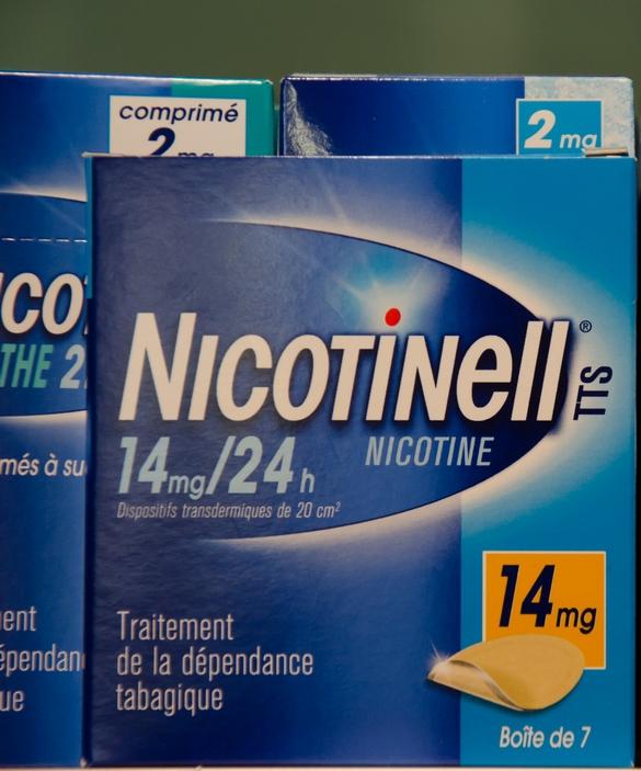 Parmi les dispositifs transdermiques, les plus connus sont les patchs à base de nicotine. ©Nathalie Shelton