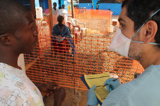 Les convalescents sont des anciens malades ayant guéri de la fièvre hémorragique Ebola. ©Martin Zinggl
