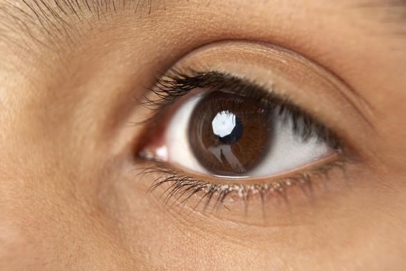 Les ambiances surchauffées peuvent provoquer le syndrome de l'œil sec ©Phovoir