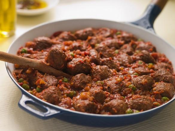 Servies avec du riz ou des pâtes, les boulettes de viande séduisent petits et grands. ©Phovoir